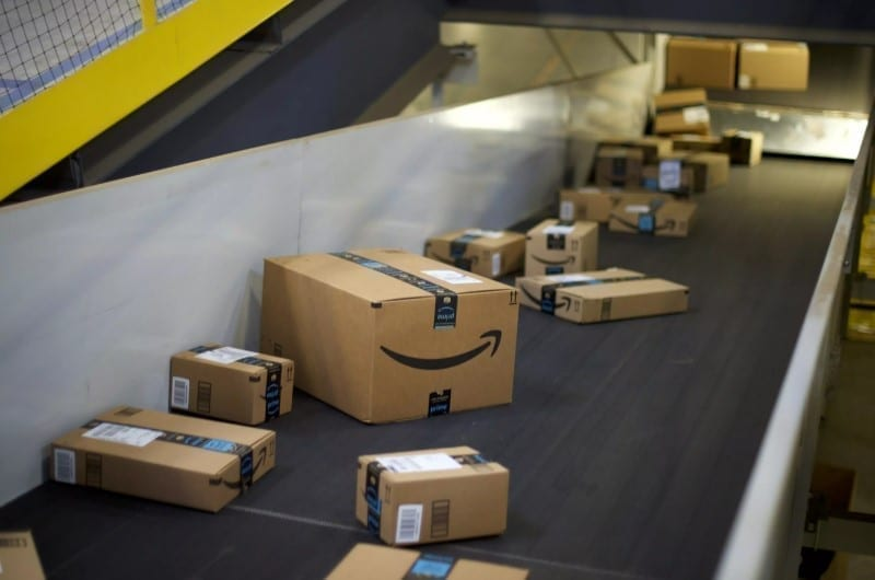Girl Finds Note In Amazon Box, Now Amazon Are In Hot Water