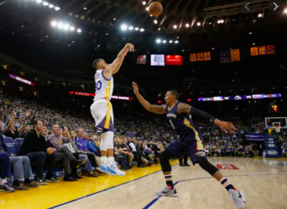 What are the three pointers that Curry made in a game?