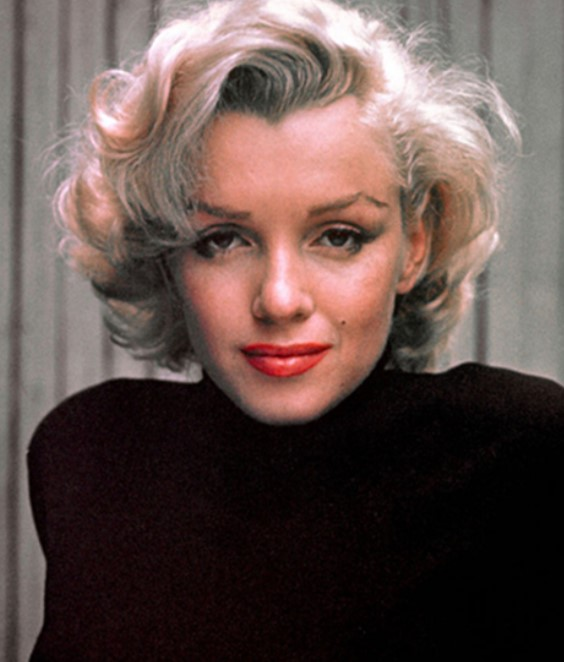 She was an American actress, model, and singer.  Do you know her name which is famous for playing comedic
