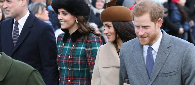 25. When can royal women remove their Jackets?